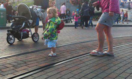 Trucs, astuces et bonnes pratiques d'un papa solo pour une visite réussie à Disneyland Paris avec ses enfants