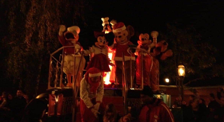 Le jour où @leopoldine_ a participé à la cérémonie d'Illumination du Sapin de Noël de Disneyland Paris.