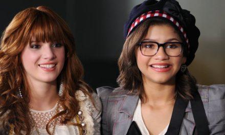 Tweedle Geek et Tweedle Chic, Zendaya et Bella Thorne dans le Disney Channel Original Movie Frenemies / AMIennemies