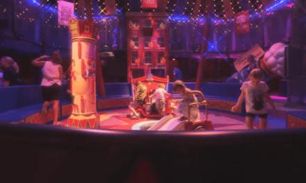 Nouvelle file d'attente interactive de l'attraction Dumbo The Flying Elephant du New Fantasyland de Walt Disney World. Disney aurait-il enfin résolu l'épineux problème des files d'attentes ?