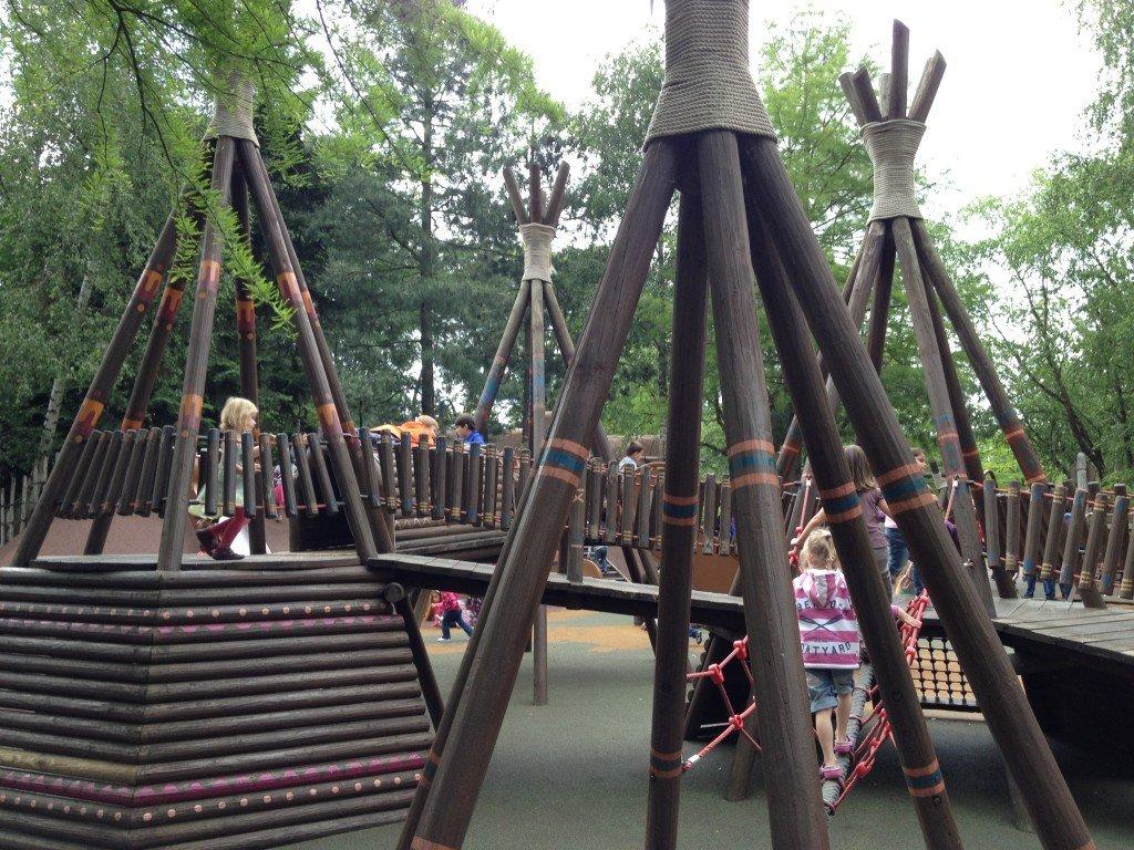 Pocahontas Indian Village - Frontierland - Disneyland Paris