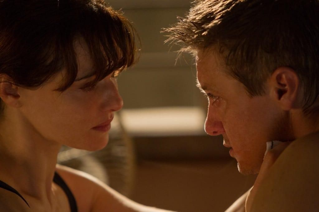 Bourne Legacy - Aaron Cross et Dr. Marta Shearing en mission rapprochement