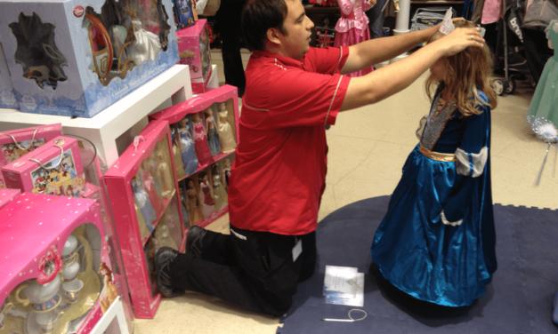 Nous avons participé à la célébration des princesses de Disney Store consacrée à Cendrillon.