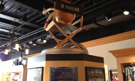 M. Patate (Mr. Potato Head) de Playskool, héros de Toy Story, fête ses 60 ans. Test de la valise anniversaire et des accessoires du Walt Disney Studio Store de Disneyland Paris