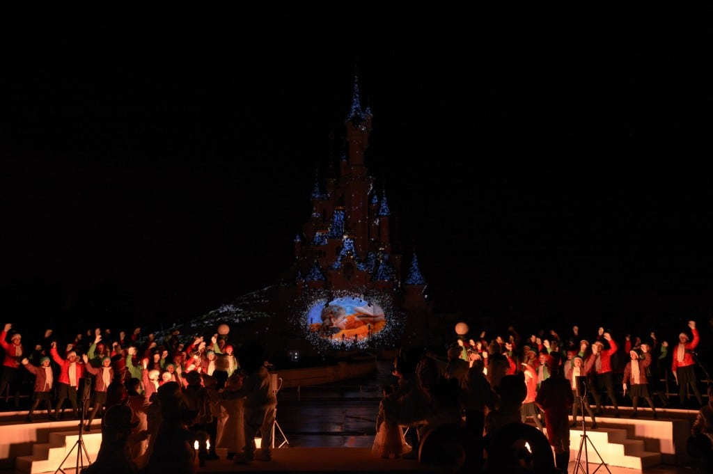 Disneyland Paris - Officiel - Show Noël