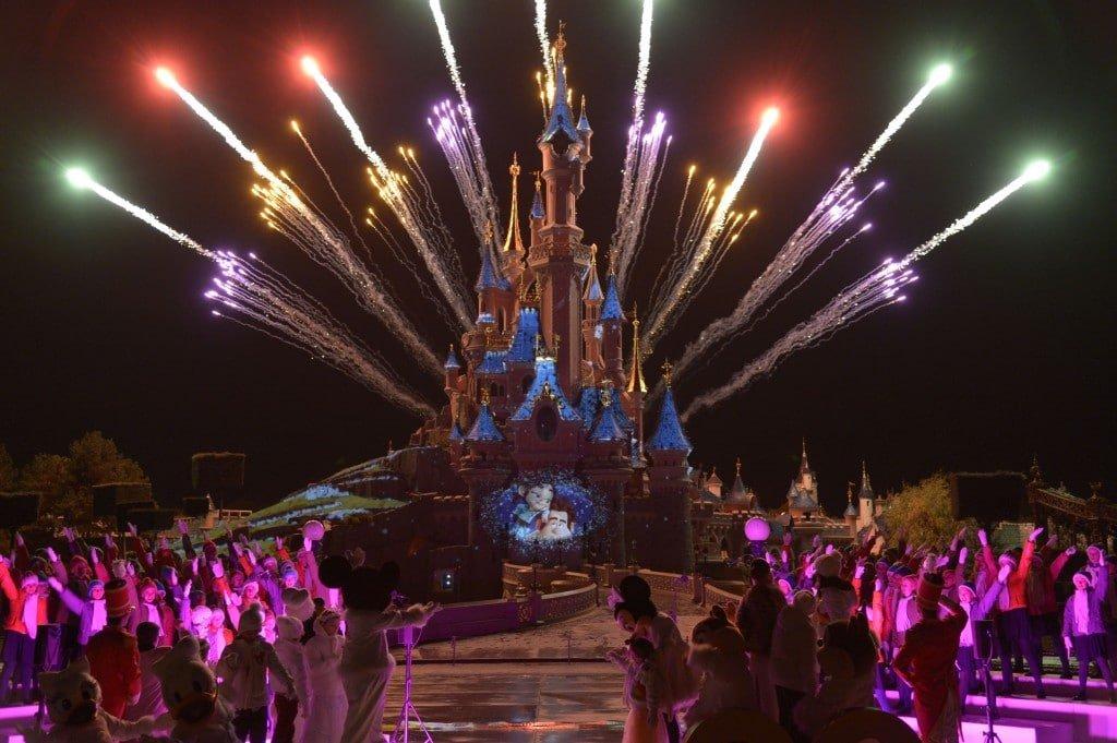 Disneyland Paris - Officiel - Show Noël 2