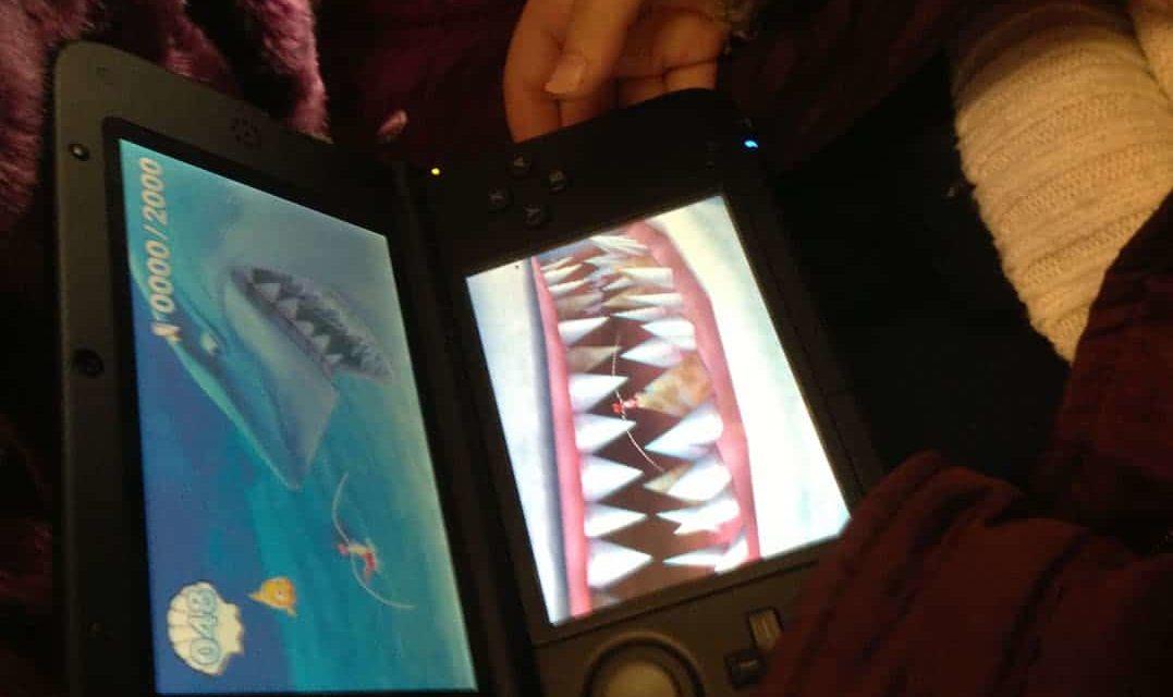 Test de Disney PIXAR Le Monde de NEMO Course vers l'Océan sur Nintendo 3DS. Des mini-jeux pour jouer en famille.