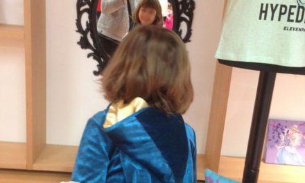 Une journée de princesse pour Léopoldine au siège de la Walt Disney Company France pour découvrir les nouveautés à venir…