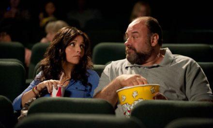 All About Albert. Une comédie romantique touchante sur la rencontre de deux parents divorcés avec Julia Louis-Dreyfus et le regretté James Gandolfini…