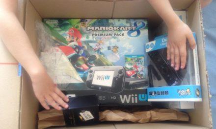 Je l'avais promise pour leurs anniversaires, elle est là, la Nintendo WiiU. En attendant notre tournoi, déballage et premières impressions.