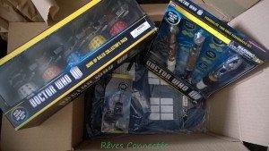 Chronique d'un anniversaire sous le signe de Doctor Who, après avoir vu en famille les 8 saisons de la nouvelle série. The Majestic Tale (Of a Madman in a Box). 33