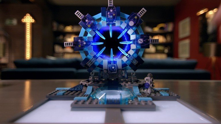 LEGO et la Warner Bros s'annoncent à leur tour dans l'univers des figurines connectées (Disney Infinity, Skylanders, Amiibo) avec son jeu vidéo LEGO Dimensions.