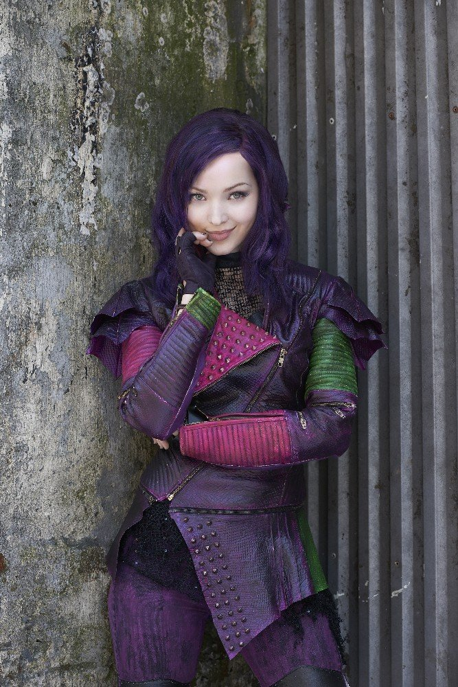 Descendants Mal Dove Cameron 2