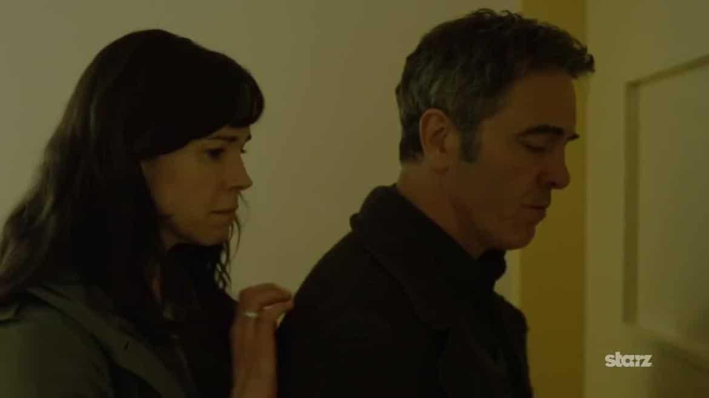 Tony Hughes (James Nesbitt et Emily Hughes (Frances O'Connor)