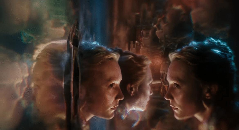 """Une journée de l'autre côté du miroir avec """"Alice Through the Looking Glass"""" de Disney."""