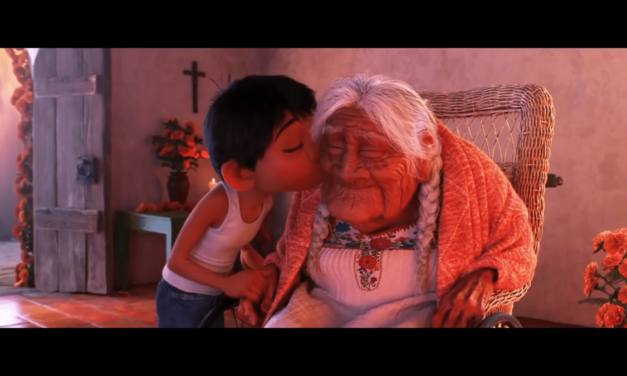 Chronique d'une avant-première de Coco, le dernier Disney Pixar autour de Día de los Muertos, au Grand Rex. Notre avis. «Remember Me. Though I have to say goodbye …»