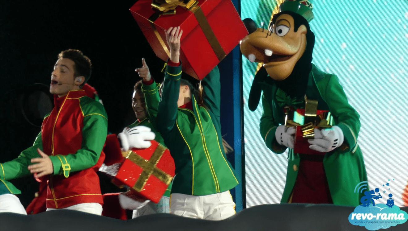 Image De Noel Walt Disney.The Revo Rama Celebrated Christmas At The Disneyland Paris